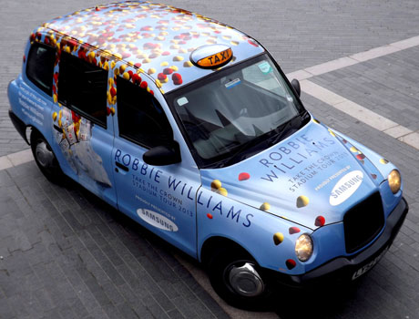 samsung-robbie-williams-taxi
